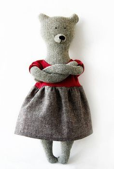 Philomena Kloss - homesewn bears.
