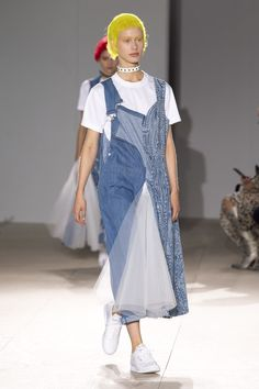 Junya Watanabe Spring 2019 Ready-to-Wear Fashion Show Collection  See the  complete Junya Watanabe Spring 2019 Ready-to-Wear collection. 8f0a240e829
