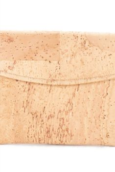 Naturfarbener Geldbeutel aus Kork. Natürliches Korkprodukt aus Portugal. 100% vegan, handgefertigt und wasserabweisend. Nachhaltig und fair produziert. Weiche Haptik und hochwertige Verarbeitung. Für deinen grünen Lifestyle! Jetzt bestellen: www.korkeria.ch / #kork #korkwaren #korkartikel #korkmode #veganemode Portugal, Bags, Fashion, Vegan Fashion, Natural Colors, Pocket Wallet, Sustainability, Handmade, Handbags