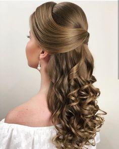 Beautiful Wedding Hairstyles Ideas For Curly Hair Elegant Hairstyles, Bride Hairstyles, Pretty Hairstyles, Pagent Hair, Quinceanera Hairstyles, Wedding Hair Inspiration, Pinterest Hair, Hair Dos, Bridal Hair
