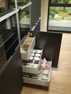 LINE INTERIOR DRAWERS - Designer Kitchen organization from Santos ✓ all information ✓ high-resolution images ✓ CADs ✓ catalogues ✓ contact. Home Interior, Kitchen Interior, Kitchen Design, Cuisines Design, Kitchen Organization, Ideas Para, Magazine Rack, Drawers, Furniture Design