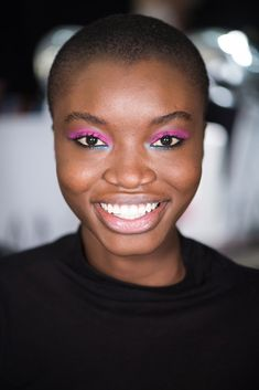 44 Ridiculously Cool Beauty Ideas to Try This Month - These punky London lids are the burst of color my makeup routine needs right now. Makeup Trends, Beauty Trends, Beauty Hacks, Beauty Ideas, 80s Makeup, Fall Makeup, New York Fashion Week 2018, 80s Hair, Christian Siriano