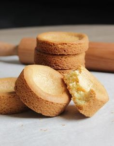Breton shortbread by christophe adam Yummy Cookies, Cookies Et Biscuits, No Bake Cookies, Mini Dessert Shots, Mini Desserts, Mini Pastries, Sweet Pastries, Christophe Adam, British Biscuits