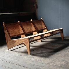 Kangaroo Bench by Pierre Jeanneret - Objet d' art