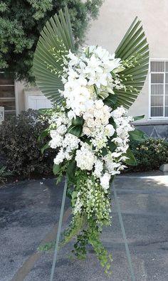 Funeral Floral Arrangements, Creative Flower Arrangements, Church Flower Arrangements, Beautiful Flower Arrangements, Flower Wreath Funeral, Funeral Flowers, Casket Flowers, Grave Flowers, Ikebana