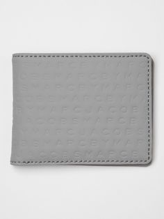 Marc By Marc Jacobs Men's Traditional Wallet in light grey