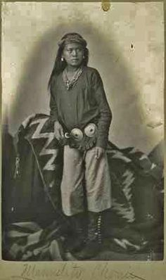 Manuelito Chonit - Navajo - circa So young Native American Children, Native American Pictures, Native American Beauty, Native American Tribes, Native American History, Native Americans, American Symbols, American Women, Native Indian