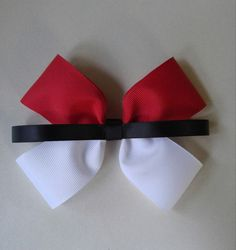 Hey, I found this really awesome Etsy listing at https://www.etsy.com/listing/476157399/pokemon-hair-bow-pokeball-hair-bow-hair