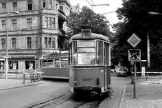 Berlin Grünau 1979, rechts geht es zum Kaffee Liebig das einzig im Original erhalten gebliebene Jugendstil-Kaffeehaus in Berlin.