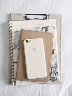 studiesque: Essentials and AP Lit journal DIY Schreibwaren Studyblr Notes, School Suplies, Wit And Delight, Study Organization, Cute School Supplies, College Supplies, Diy Supplies, Office Supplies, Study Hard