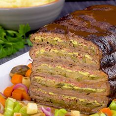 Roulades are known. But what about a roulade roast layer? He sees … - Recipes for dinner easy and healthy Meat Recipes, Dinner Recipes, Cooking Recipes, Healthy Recipes, Meatloaf Recipes, Healthy Nutrition, Healthy Desserts, Drink Recipes, Healthy Eating