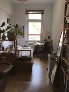 Quiet flat share in the music district - flat share Leipzig-Zentrum-Süd . My New Room, My Room, Flat Share, Aesthetic Bedroom, Minimalist Bedroom, House Rooms, Room Inspiration, Living Spaces, Bedroom Decor