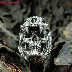 16mm Zamak Halloween. Skull Pendant bones