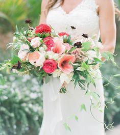 Unique Valentine's Day Bouquets & Floral Arrangements. #weddings #flowers #bouquets