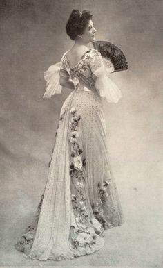 1901 November, Les Modes Paris - Mme Rosa Bruck from the Théâtre du Vaudeville wearing a dress by Doucet