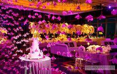 this decor makes my heart skip #aerial decor #wedding cake presentation  #francewedding #weddingreception #weddinginspuration