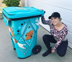 TRASHed At Coachella 2017 : Artist Decorated Recycling Bins! Paint Recycling, Trash And Recycling Bin, Trash Bins, Recycling Storage, Coachella, Painted Trash Cans, Recycle Cans, Trash Art, Easy Art Projects