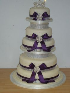 Bling is the thing wedding cake.