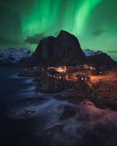 The Lofoten Dream . . #lofoten #norway #auroraborealis #northernlights #norge . . . . . #earthcapture #ig_color #longexpoelite #earthpix…