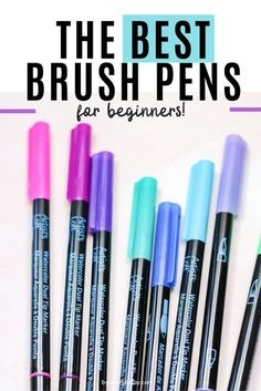 Wondering which brush pens are best to learn brush calligraphy with? Check out these recommended for the best brush pens for beginners to use. #byamandakay #brushpens #brushlettering #moderncalligraphy #handlettering Chalk Lettering, Brush Lettering, Best Brush Pens, Bullet Journal Font, Bullet Journals, Bullet Journal Inspiration, Journal Ideas, Watercolor Brush Pen, Planner Decorating