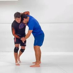 Fighter Workout, Mma Workout, Kickboxing Workout, Martial Arts Styles, Martial Arts Techniques, Self Defense Techniques, Mixed Martial Arts Training, Martial Arts Workout, Self Defense Moves
