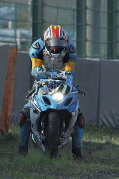 Kevin Schwantz at Suzuka 8h 2013...doesn't look good. Picture by Jonathan Godin