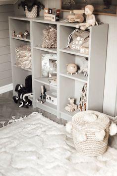 Matheos lilla kryp in – barnrums favoriter – Susan Törnqvist Boho Nursery, Nursery Wall Decor, Unisex Nursery Themes, Baby Barn, Baby Mobile, Baby Nursery Neutral, Flat Ideas, Kids Room Design, Kids Bedroom