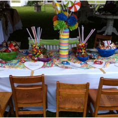 Perfect kids table at a wedding