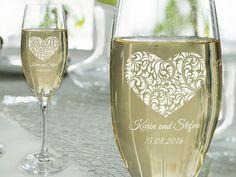Brautbecherlegende mit Sektglas mit Gravur Flute, Tableware, Art, Gold Weddings, Tiny Gifts, Craft Art, Dinnerware, Flute Instrument, Dishes