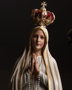 Jesus Mother, Blessed Mother Mary, Blessed Virgin Mary, Mother Mary Images, Images Of Mary, Catholic Pictures, Pictures Of Jesus Christ, Mother Mary Wallpaper, Catholic Wallpaper