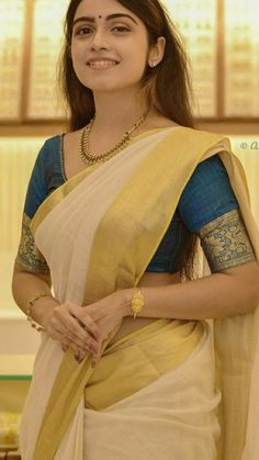 Beauty Full Girl, Beauty Women, Indian Costumes, Saree Photoshoot, South India, India Beauty, Weird Facts, Woman Quotes, Desi
