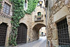 Pals. Pueblos con encanto. Pueblo medieval. Baix Empordà. Escapada rural. Costa Brava. Girona. Lugares con encanto. www.caucharmant.com