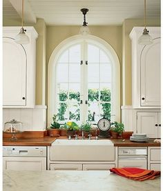 Small Kitchen Ideas with a Farm Sink