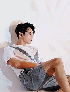 his gucci burned Korean Haircut Men, Asian Man Haircut, Asian Men Hairstyle, Asian Hair, Shinee Minho, Jonghyun, Human Body Drawing, Choi Min Ho, Forever Yours