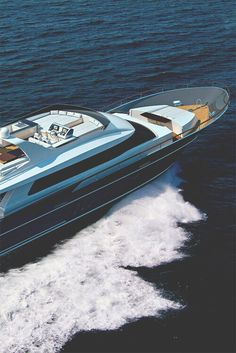 Yacht. Follow @y_uribe for more pics.