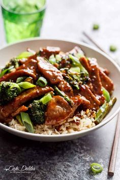 A Mongolian Beef And Broccoli like traditional take-out? With only HALF the oil needed compared to other recipes, this Mongolian Beef is even better!