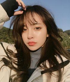 Imagine ulzzang, girl, and asian Ulzzang Korean Girl, Cute Korean Girl, Asian Girl, Korean Long Hair, Ulzzang Fashion, Asian Fashion, How To Pose, Selfie, Pretty People
