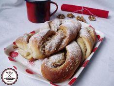 Dió és vanília puding pihe-puha kelt tésztába csavarva.... Something Sweet, Cake Cookies, Bagel, French Toast, Cooking Recipes, Sweets, Bread, Breakfast, Recipes