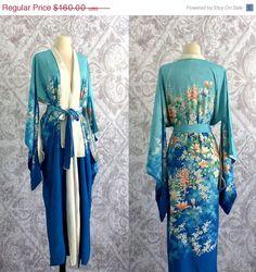 Reversible Vintage 1960s Silk Kimono ====> blue on one side ====> white on other ===>$120.00 #silkkimono #floralkimono #japanesekimono #vintagekimono #reversiblekimono