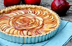 Brie and Pear Tart - Ok so when I get around to my second attempt at baking this will be it. Yummilicious!!