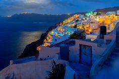 santorini by night Amazing Destinations, Travel Destinations, Travel Pictures Poses, Greece Travel, Greece Trip, Visit Greece, Athens Greece, Travel Goals, Greek Islands