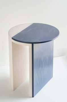 Gibbous Blue and White Side Table by Robert Sukrachand, Made in USA For Sale at Blue Side Table, White Side Tables, Side Tables Bedroom, Sofa Side Table, Table Furniture, Cool Furniture, Circle Table, New Interior Design, Cafe Tables