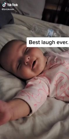 Cute Funny Baby Videos, Cute Funny Babies, Funny Baby Memes, Funny Videos For Kids, Funny Kids, Cute Kids, Baby Humor, Cute Little Baby, Baby Kind