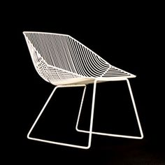 bend bent wire bunny chair, white