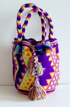 http://www.caritocaro.com/wayuubags/wayuu-purse-bag-320.htmlFashion Handcrafted by Artisans Wayuu Bags