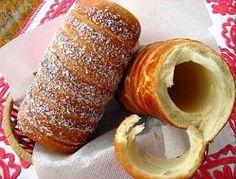 Originalrezept aus Siebenbürgen/Ungarn Für den Kürtöskalács/Baumkuchen die Teigzutaten zu einem feinen, etwas festeren Germteig kneten. Mit einem