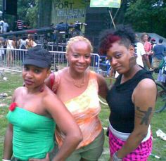 3 the stylish Chi way  6.2010 Actress, DJ and Documentarian Fort Greene park in Brooklyn