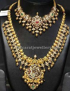 Diamond necklace and haram - Indian Jewellery Designs Indian Wedding Jewelry, Wedding Jewelry Sets, Indian Jewelry, Bridal Jewelry, Wedding Ring, Indiana, Gold Jewelry Simple, Gold Jewellery Design, Fashion Jewelry