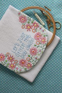 This blog is full of cute quilting and embroidery!  Let's just stitch the day away.