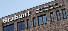 Na mijn eindstage van de opleiding Administrateur / Assistent Accountant ben ik als Assistent-Accountant bij Brabant Accountants in dienst getreden. Mijn werkzaamheden bestonden uit het verzorgen van financiële administraties, aangiften Omzet-, Inkomsten- en Vennootschapsbelasting en het samenstellen van Jaarrekeningen (ZZP-er, V.O.F. en B.V.). Daarnaast volgende ik in deeltijd mijn HBO-opleiding Accountancy. Ik ben hier werkzaam geweest van 2010 tot 2012.